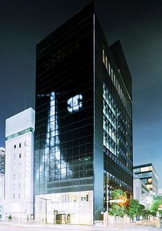 Chanel boutique in Tokyo's Ginza district,a 10-story building into a giant TV set, covering the edifice with 700,000 computer-controlled LEDs to project runway scenes or an electronic version of Chanel's iconic tweeds on a larger-than-life scale. Blurring the line between architecture and branding.    Architect - Peter Marino Architects