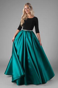 Modest Formal Dresses, Simple Dresses, Formal Gowns, Dance Fashion, Fashion Dresses, Steampunk Fashion, Gothic Fashion, Modest Fashion, Temple Dress