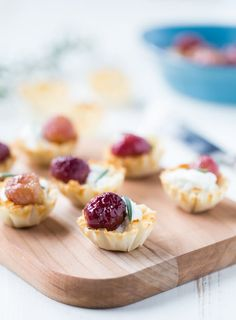 Holiday Appetizers Roasted Grapes and Goat Cheese Bites