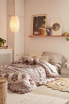 Urban Outfitters Plum & Bow Kerala Medallion Comforter Snooze Set I may receive compensation from the affiliated link. Modern Room Design, Small Room Design, Bed Design, Deco Ethnic Chic, Teen Bedding, Boho Stil, Teen Girl Bedrooms, My New Room, Comforter Sets