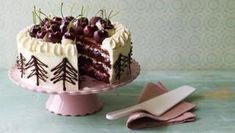 Mary's Black Forest gâteau use strawberries instead of cherries dipped in chocolate?