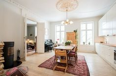 Bolig til salgs Shag Rug, Oversized Mirror, Real Estate, Flooring, Oslo, Inspiration, Furniture, Home Decor, Shaggy Rug
