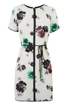 We love this little modern tunic, with its girlie-meets-sporty vibe and pretty peony print. You will be so glad of this come events season.