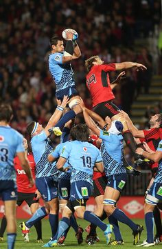 Pierre Spies of the Bulls wins a lineout over Crusaders player Luke Whitelock during the round five Super Rugby match between the Crusaders and the Bulls at AMI Stadium on March 2013 in Christchurch, New Zealand. Rugby League, Rugby Players, Pierre Spies, Rugby Gear, Northampton Saints, Super Rugby, Beefy Men, Crusaders, Champion