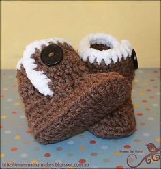 Crocheted Uggies pattern and directions for baby or doll.