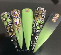 Lace Nails, Bling Nails, Flower Nails, Cute Acrylic Nails, Acrylic Nail Designs, Gorgeous Nails, Pretty Nails, Nail Design Stiletto, Nagellack Design