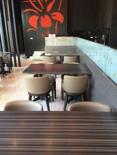 #實木餐椅與餐桌-兩隻魚