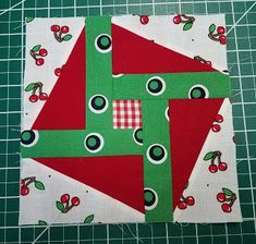 Hexagon quilts and other shapes without pesky little seams. Quilt Patterns Free, Free Pattern, Hexagon Quilt, Shapes, Quilts, Holiday Decor, Comforters, Patch Quilt, Sewing Patterns Free