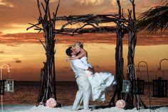 Aruba destination wedding. Copyright Winklaar Photography. www.winklaar.com  www.facebook.com/winklaarphotography