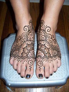 feet 006 by Henna Junkie ~Aunthenna~, via Flickr