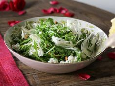 Fennel salad with goat cheese and pine nuts