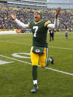 """I like hundley! But dang I miss """"Rodgers"""" football Green Bay Football, Packers Football, Greenbay Packers, Green Bay Packers Quarterbacks, Sport Hall, Go Pack Go, National Football League, Staying Alive, Green And Gold"""