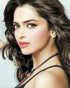 Deepika Padukone Beautiful Bollywood Actress, Most Beautiful Indian Actress, Beautiful Actresses, Indian Celebrities, Bollywood Celebrities, Bollywood Fashion, Deeps, Dipika Padukone, Deepika Padukone Style
