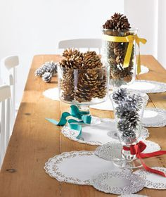 simple pine cone Christmas design