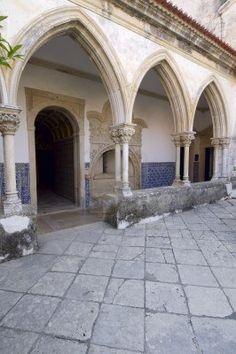 Claustro del convento templario de Cristo, en Tomar, Ribatejo, Portugal