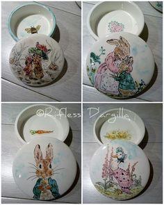 Peter rabbit - Beatrix Potter. CERAMICS DECORATIONS - HANDMADE IN ITALY. #rabbiart #beatrixpotter #ceramic #handmade #creations