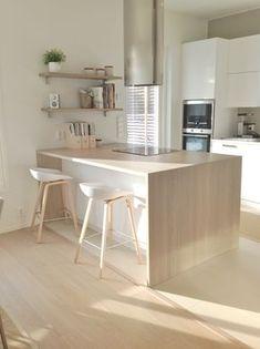 Inspiration cuisine scandinave - Scandinavian kitchen in Kitchen Dinning, New Kitchen, Kitchen Decor, Kitchen Ideas, Decorating Kitchen, Kitchen Small, Kitchen Things, Küchen Design, House Design