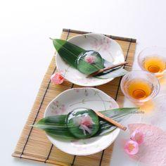 Vegetarian dessert : Raindrop Cake / Water Cake / Jelly / Agar-agar / Sakura Mizu Shingen Mochi Recipe