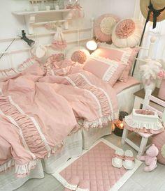 Girl's bedroom...darling