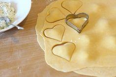 [Anzeige] Selbstgemachte Herz-Ravioli zum Valentinstag - Ravioli ausstechen