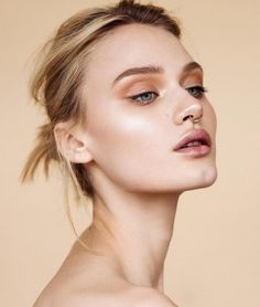 Queen of highlighting, Ania Milczarczyk, reveals the secrets to creating Insta-worthy cheekbones.