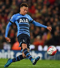 GOAL! Brilliant 5mins as @delealli36 makes it 2-0 and @harrykane quickly adds a third! 3-0!!! #COYS #THFC