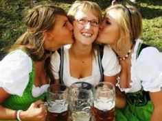 Top 10 Most Popular Oktoberfest Songs - Best For Traditional Party Oktoberfest Party, Music Stuff, Good Music, Music Videos, Alcoholic Drinks, Funny Pictures, Songs, Popular, Couple Photos
