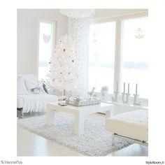 olohuone,valkoinen,joulu,joulukuusi,valkoinen sisustus