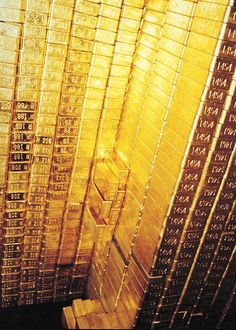 Money flows to me in avalanches of abundance everyday, in every way and in every… – Bankgeschäfte Gold Bullion Bars, Silver Bullion, Gold Everything, Gold Reserve, Or Noir, Money Stacks, Gold Money, Money Affirmations, Luxury Life
