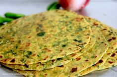 These flat breads from the Indian state of Gujarat are soft, thin and have great shelf life. Get this Indian flat bread recipe right here. Gujarati Recipes, Indian Food Recipes, Ethnic Recipes, Gujarati Cuisine, Indian Flat Bread, Indian Breads, Indian Dishes, Flatbread Recipes, Paratha Recipes