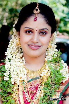 Thanks to beautiful girl Beautiful Girl Indian, Beautiful Girl Image, Most Beautiful Indian Actress, Beautiful Bride, Beautiful Children, Beautiful Women, Bridal Beauty, Bridal Makeup, Wedding Beauty