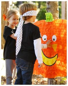The Best Halloween Games for Kids: Planning a Halloween Party for Kids? Here are of the most fun Halloween Games for Kids ever! These easy DIY Halloween Party Games for kids are sure to be a HUGE hit at your kids Halloween Party! Halloween Party Activities, Halloween Games For Kids, Kids Party Games, Halloween Party Decor, Diy Halloween, Harvest Party Games, Holloween Games, Halloween Costumes, Kid Parties