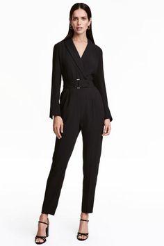 V-neck jumpsuit | H&M