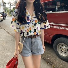 New Small Fresh Loose Wild Print Short-sleeved Single-breasted Shirt look not only special, but also they always show ladies' glamour perfectly and bring surprise. Korean Casual Outfits, Retro Outfits, Cute Casual Outfits, Stylish Outfits, Vintage Outfits, Summer Outfits, Fashion Outfits, Korean Girl Fashion, Korean Street Fashion