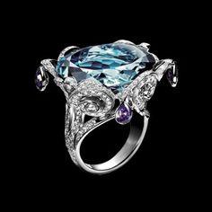 White gold Topaz Diamond Ring G34L8500 - Piaget Luxury Jewelry Online