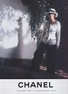 Claudia Schiffer, Chanel 1993