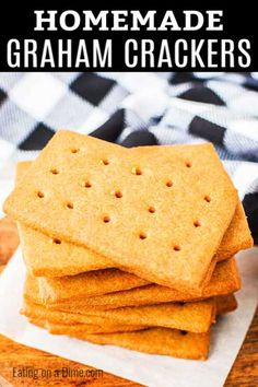 You have to try this fun homemade graham crackers recipe. They are fun and easy to make with the kids. Once you have homemade, you'll never turn back! Graham Cracker Recipes, Homemade Graham Crackers, Picky Toddler Meals, Toddler Snacks, Toddler Dinners, Baby Food Recipes, Dessert Recipes, Cooking Recipes, Easy Recipes