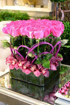 Base cuadrada con rosas