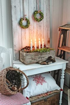 Advent and Christmas - Scandinavian style via Natale Swedish Christmas, Merry Little Christmas, Noel Christmas, Scandinavian Christmas, Country Christmas, All Things Christmas, Vintage Christmas, Christmas Crafts, Christmas Decorations