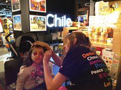 Chile exhibe atractivos turísticos en la reconocida tienda National Geographic de Londres