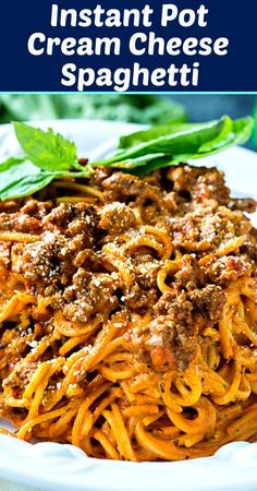 Instant Pot Cream Cheese Spaghetti with ground beef is fabulously creamy and rich. The pasta cooks right in the Instant Pot and it cooks perfectly. This is a meal you will want seconds of. Spaghetti Recipes, Pasta Recipes, Cooking Recipes, Instapot Spaghetti, Meal Recipes, Cooking Steak, Cooking Wine, Crock Pot Spaghetti, Instapot Pasta