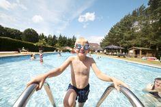 Lekker zwemmen in het buitenzwembad. Eindhoven, 100 M2, Park, Swimwear, Facebook, Nightlife, Nature Reserve, Coffee Making Machine, Renting