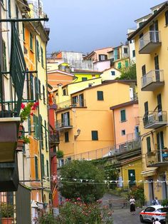On & Off Road Travels with Pat & Alan: Our Trip to Italy - Riomaggiore, the Beginning of the Cinque Terre