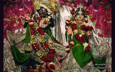 To view Radha Parthasarathi Wallpaper of ISKCON Dellhi in difference sizes visit - http://harekrishnawallpapers.com/sri-sri-radha-parthasarathi-iskcon-delhi-wallpaper-006/