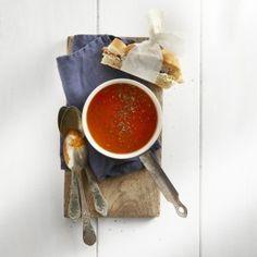 Geroosterde tomaten-paprikasoep + Sandwich van Turks brood