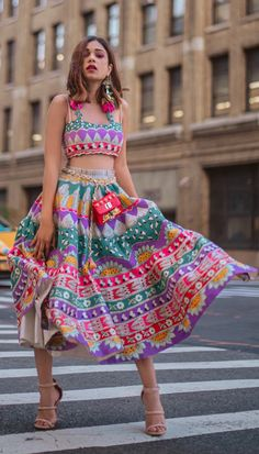 Flaunt your look with the newest trend in town, short length lehengas for your Mehndi ceremony. Trending Short lehenga designs you must check out. Dress Indian Style, Indian Dresses, Indian Wedding Outfits, Indian Outfits, Bridal Outfits, Indian Attire, Indian Wear, Modern Outfits, Classy Outfits
