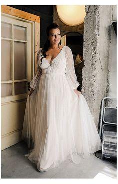 Rustic Wedding Dresses, Wedding Dress Trends, Tulle Wedding, Boho Wedding Dress, Dream Wedding Dresses, Bridal Dresses, Curvy Wedding Dresses, Polka Dot Wedding Dress, Wedding Ideas