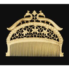 Antique ivory comb from the Mughal era (India) Vanitas, Ethnic Jewelry, Indian Jewelry, Mughal Jewelry, Jewellery, Antique Items, Antique Jewelry, Antique Clothing, Le Morse