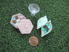 DOLLHOUSE MINIATURE CHOCOLATES CONFECTIONS in SERVING DISH!~Very cute Mini NEW!