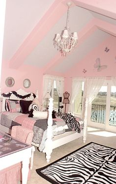 Love the pink, white & animal print  My daughter would sooo love to have this room